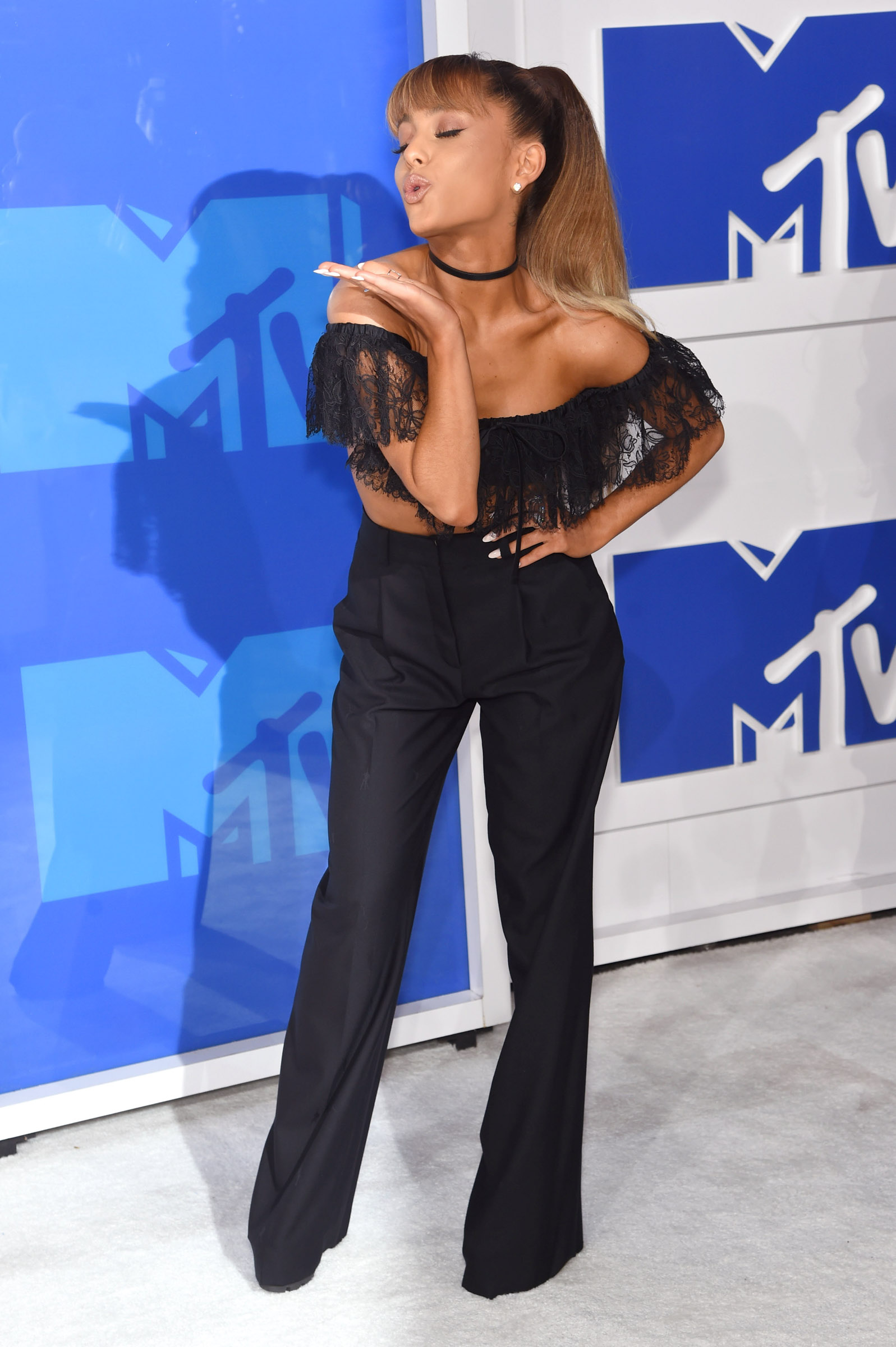 NEW YORK, NY - AUGUST 28:  Ariana Grande attends the 2016 MTV Video Music Awards at Madison Square Garden on August 28, 2016 in New York City.  (Photo by Jamie McCarthy/Getty Images)